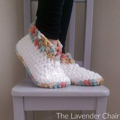 --- advertisements --- --- advertisements --- Check out this pattern for cloud 9 slippers that you can make in just 10 rounds. Full tutorial below. How to Make Cloud 9 Slippers (Free Crochet Pattern) --- advertisements --- Related Crochet Socks, Crochet Yarn, Crochet Stitches, Crochet Clothes, How To Crochet Slippers, Crochet Slipper Boots, Knit Slippers Free Pattern, Crochet House, Dishcloth Crochet