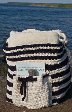"Ravelry: ""Nautical Knots"" Beach / Yarn / Tote Bag pattern by Jennifer Pionk ༺✿ƬⱤღ✿༻"