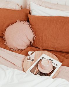 (not my image) My New Room, My Room, Dorm Room, Interior Design Inspiration, Home Decor Inspiration, Pink Bedding, Dream Rooms, Cozy House, Interior Styling