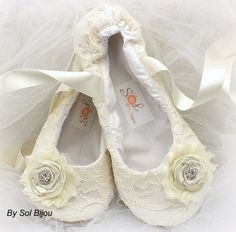 227d08ad9a23    Made Upon Request- This pair can be made in ANY color scheme These  vintage-inspired bridal ballerina slippers have been crafted using lace in  ivory