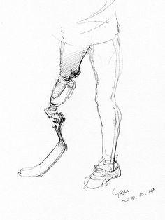今日はしばらくぶりにヘルスエンジェルス(切断者スポーツクラブ)に参加した。準備運動に参加しただけなの筋肉痛が情けない。その後はグランドでスケッチする変なおじさん。