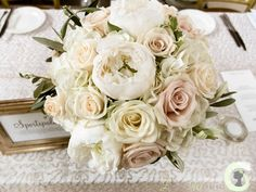 Ivory, champagne & nude bouquet