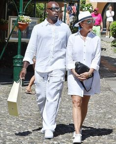 All white there! Kris Jenner opted to go for a fun wardrobe choice while she was in Portofino, Italy with her boyfriend Corey Gamble where they chose to wear his and hers ensembles on Monday Classy Outfits, Casual Outfits, Fashion Outfits, 50 Fashion, Kris Jenner Style, Kardashian Jenner, Kardashian Style, Kourtney Kardashian, Look 2018