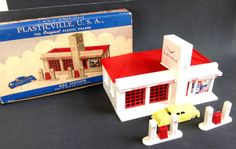 Vintage Plasticville Large Gas Station GO-3 Unbroken Complete with Box & Car #Bachmann