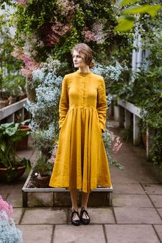 Son de Flor Elisa Dress with precise details on a front side, full circle skirt inspired by vintage outfits, an ideal choice for your special occasion. Mustard Yellow Dresses, Peter Pan Collar Dress, Full Circle Skirts, Fall Skirts, Linen Dresses, Mandarin Collar, Fitted Bodice, Boho, Dress Long