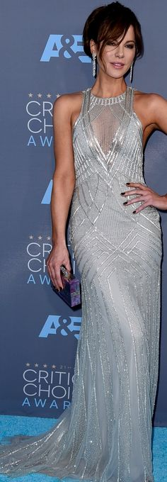 Kate Beckinsale wearing Monique Lhuillier at the 21st Annual Critics Choice Awards.