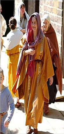 Women's Fashion Ancient Rome. The clothing of Roman women was simple in cut…