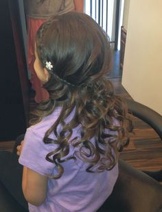 Flower-girl hair Salon Estrella