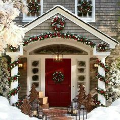 Beautifully decorated home for Christmas :))