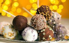 Γιορτινά γλειφιτζούρια από κέικ (cake pops) - iCookGreek