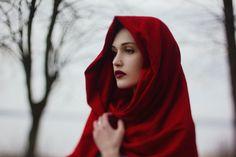 .little red riding hood (good winter shoot)
