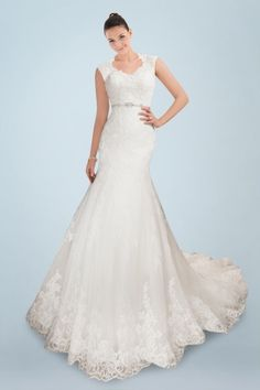 Glamorous Queen Anne Neckline Sheath Wedding Gown with Delicate Lace Cover and Beaded Waistband
