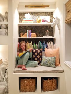 Reading Corner: 60 Decorating Ideas and How to Make - Home Fashion Trend Hallway Carpet Runners, Cheap Carpet Runners, Room Carpet, Wall Carpet, Casa Kids, E Room, Building For Kids, Patterned Carpet, Reading Nook