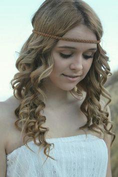 her hair tho Acacia Brinley, Acacia Clark, Curled Hairstyles, Pretty Hairstyles, Country Hairstyles, Romantic Curls, How To Curl Short Hair, Elegant Updo, She Is Gorgeous