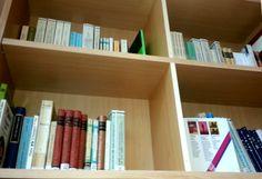 Foto 17 : En la estanteria