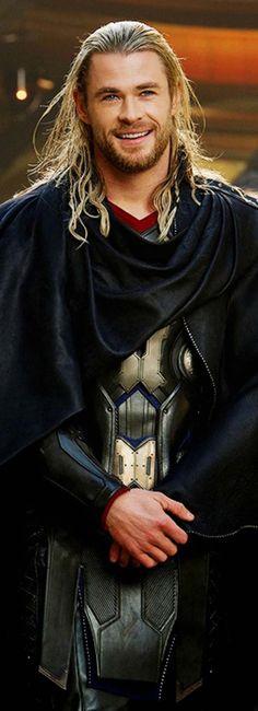 Thor: The Dark World Photos Reveal Natalie Portman as Jane Foster on Asgard