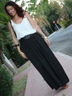 concuatrotrapitos Outfit   Verano 2012. Combinar Camiseta Blanca Zara, Falda Negra Bershka, Cómo vestirse y combinar según concuatrotrapitos el 18-9-2012