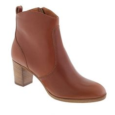 Aggie ankle boots in leather up to size 11