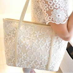 Material:pu,polyester cotton  Size:25cm*35cm*10cm(small)  28mm*39mm*12mm(big )  Color:black,beige