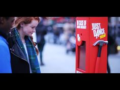Ubisoft / The Coca-Cola Company: Incredible dance experience at Piccadilly Circus | Ads of the World™
