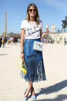 Look com camiseta Versace, saia Lilly Sarti, bolsa Bulgari, sapato Schutz, Iphone Case Moschino,...