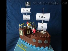 Pirate Ship - Second edition of the Pirate Ship, this time with Pirates. Chocolate Brigadeiro cake with chocolate ganache covering. All figures in mexican paste.
