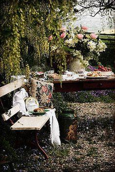 Take Five: Vintage Outdoor Decor - The Cottage Market