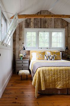 Whats Popular In Home Decor Cottage Style Bedrooms, Style Cottage, Cottage Design, Cottage Living, Cozy Cottage, Lake Cottage, Rustic Cottage, Living Room, Cozy Cabin