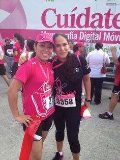 E v A @evitabalderas  Por la lucha contra el Cáncer carrera Avon @EnDondeCorrer mi prima Angélica y yo ✌ pic.twitter.com/DCSEAHxV