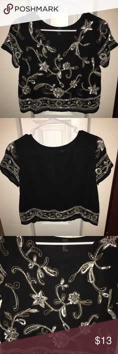 FORVER 21 SEQUIN CROP BLOUSE LIKE NEW   BEAUTIFUL CHIFFON   GORGEOUS SEQUINS Forever 21 Tops Blouses