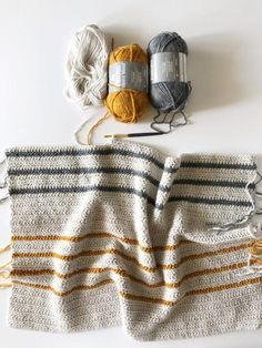 Annie's Crochet Herringbone Half Throw (Daisy Farm Crafts) Crochet Afghans, Annie's Crochet, Crochet Blanket Patterns, Crochet Crafts, Crochet Stitches, Knitting Patterns, Crochet Daisy, Knitting Ideas, Crotchet