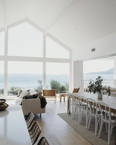 Utilize these home decor suggestions to brighten your house and give it new life. Home designing is fun and may transform your house into a home when you learn how to do it. Beach Cottage Style, Beach House Decor, Coastal Cottage, Coastal Style, Modern Coastal, Coastal Interior, Coastal Homes, House On The Beach, Beach House Lighting