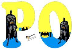 Alfabeto de Batman en fondo amarillo y azul.   Oh my Alfabetos!