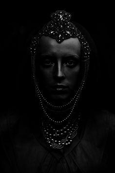 Black - Photography - Portrait - Black on Black Imagenes Dark, Arte Yin Yang, Photo Images, Dark Beauty, Shades Of Black, Black Magic, Color Negra, Black Is Beautiful, Belle Photo