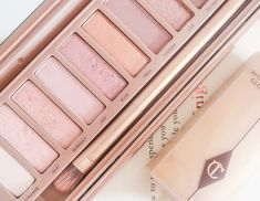 Urban Decay's Naked 3 Palette - Pink And Rose Gold Goodness