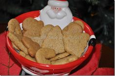 Tender, moist and delicious Ginger Cut-out Cookies with a Middle Eastern Twist. Easy recipe with step-by-step photos. My Favorite Food, Favorite Recipes, Twisted Recipes, Ginger Cookies, Christmas Cookies, Merry Christmas, Cut Out Cookies, Cookie Decorating, Cookie Recipes