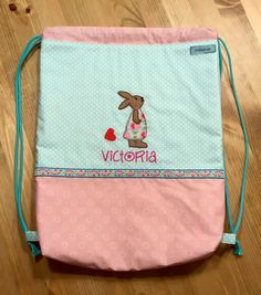 Turnsackerl mit Stickerei und Plott Drawstring Backpack, Diaper Bag, Lunch Box, Victoria, Backpacks, Bags, Embroidery, Handbags, Drawstring Backpack Tutorial