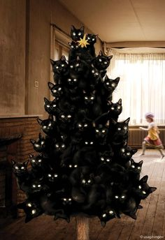 Cat Christmas Tree... for next year this is a necessity!
