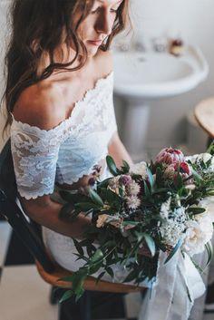 GLL Bride Tori's wild, native blooms | Image by Titus Haug