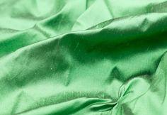 Telas/tejidos OFRECEMOS UN GRAN SURTIDO DE TELAS Y UNA AMPLIA GAMA DE COLORES. Le asesoraremos en tejidos y colores, les daremos información sobre posibles modelos, modistas... A B C E F G L M O P R S T  ACOLCHADO QUILTED STEPPWARE  Tela utilizada para forrar mantitas de bebé o cualquier Templates, Baby Afghans, Dressmaker, Bed Covers, Fabrics, Tejidos, Dressmaking