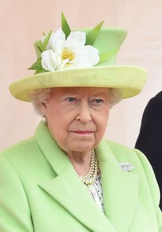 Her Royal Highness Queen Elizabeth II God Save The Queen, Hm The Queen, Royal Queen, Her Majesty The Queen, Royal Uk, Commonwealth, Queen Hat, English Royal Family, Foto Real