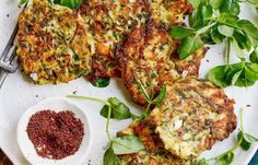 Zucchini and feta fritters Recipe Whole Food Recipes, Cooking Recipes, Healthy Recipes, Savoury Recipes, Breakfast Recipes, Dinner Recipes, Fritters, Main Meals, Quick Easy Meals
