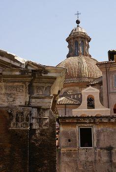Rom, Via di Portico d'Ottavia, Sant'Angelo in Pescheria und Portico d'Ottavia