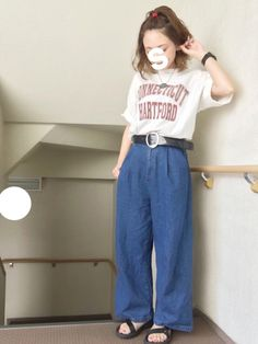 ☺︎*♡ Tシャツ × デニム と 小物で色追加◎ 古着屋さんで見つけた 太いビニールベルト 気に入