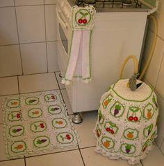 Jogo de cozinha em crochê com aplicação de frutas 3 peças