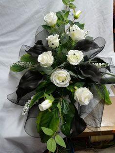 Grave Decorations, Table Decorations, Amnesia Rose, Funeral Tributes, Fresh Flowers, Cemetery, Floral Arrangements, Floral Wreath, Marriage