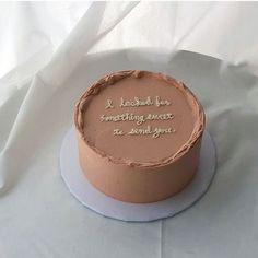 Pretty Birthday Cakes, Pretty Cakes, Beautiful Cakes, Amazing Cakes, Cake Birthday, Birthday Cake Decorating, Mini Cakes, Cupcake Cakes, Simple Cake Designs