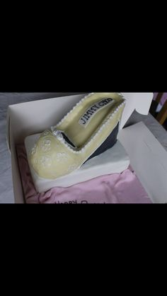 Jimmy choo shoe cake