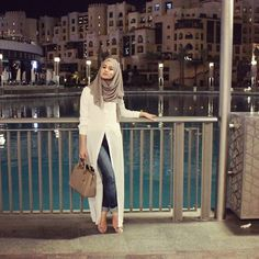 Have you checked my latest blogpost on www.hijab-hills.com yet? It's featuring this outfit and about my time in Dubai❤️ For outfit details check out that blogpost! Hajib Fashion, Dubai Fashion, Abaya Fashion, Muslim Fashion, Modest Fashion, Runway Fashion, Fashion Outfits, Kimono Fashion, Hijab Trends