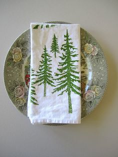 Hey, I found this really awesome Etsy listing at https://www.etsy.com/listing/168517996/cloth-napkins-screen-printed-organic